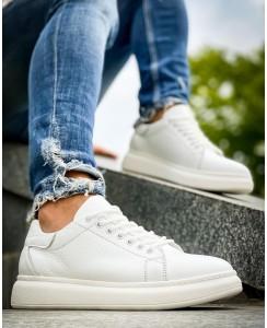 McQueen - белого цвета на белой подошве