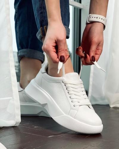 Женские кроссовки белого цвета 1012-01