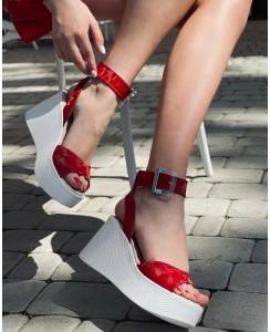 Женские босоножки 21700-03+ красная кожа камуфляж, белая подошва