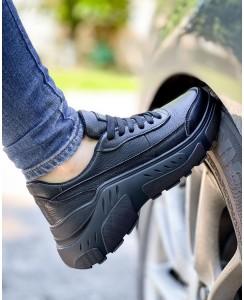 Черные женские кроссовки 1001-04