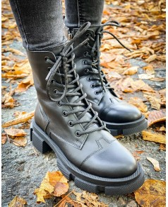 Чорні жіночі черевики